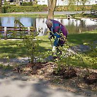 2009-04-25-Teichreinigung-006